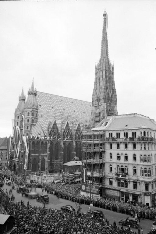 Pummerin kommt zum Stephansdom, Wien