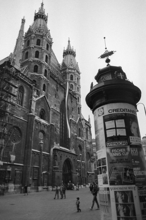 Stephansdom, Stephansplatz, Litfaßsäule, Wien, Fußgängerzone
