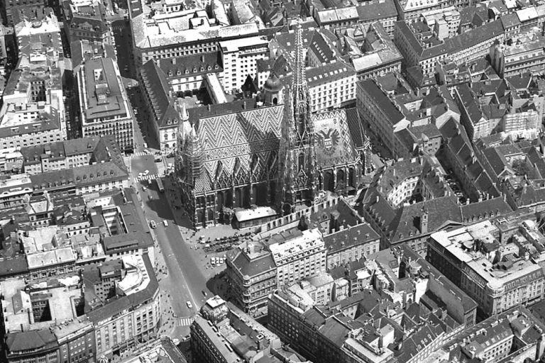 Luftaufnahme des Stephansplatzes, 1960er, Wien, Innere Stadt