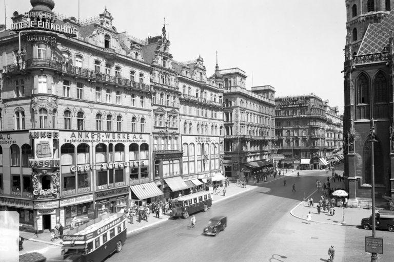 Stephansplatz im 2. Weltkrieg, Wien, Innere Stadt