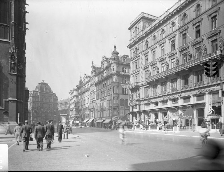 Stephansplatz in der Nazizeit, ca. 1940