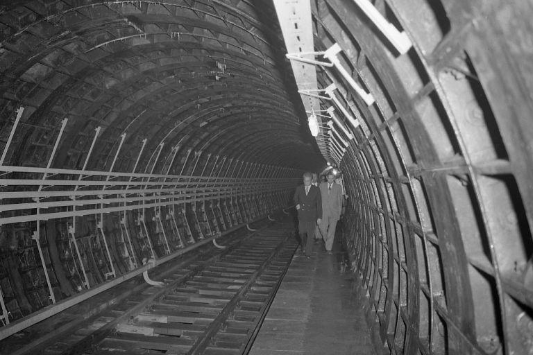 U-Bahn-Tunnel, Linie U1, WIen