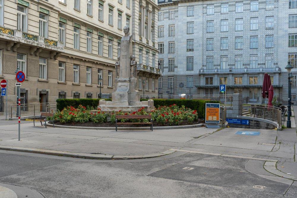 Postsparkasse von Otto Wagner am Georg-Coch-Platz in Wien, Innere Stadt