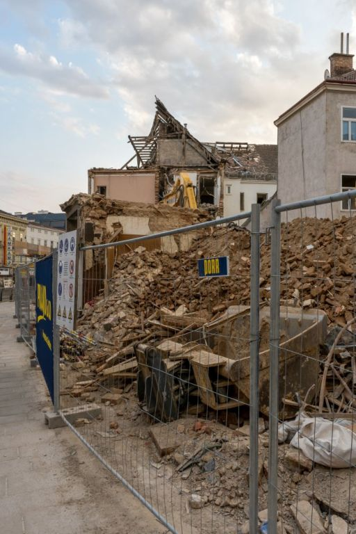 Abriss des Biedermeierhauses Mariahilferstraße 168, 1150 Wien