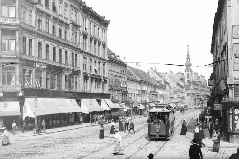 Straßenbahn auf der Mariahilferstraße, Kirchengasse, Stiftgasse, 1070 Wien, historische Aufnahme