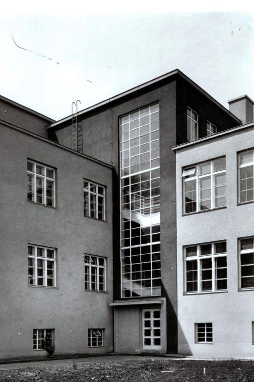 Schule in Wien-Donaustadt, 1930