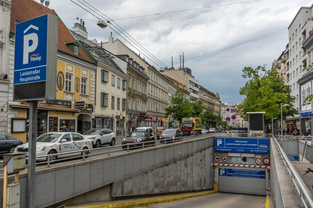 Garagenabfahrt beim Rochusmarkt, Landstraßer Hauptstraße