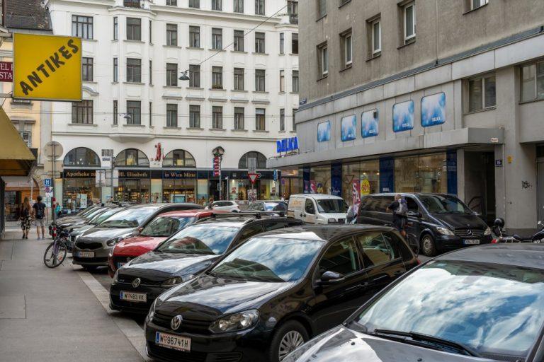 Untere Viaduktgasse, Landstraßer Hauptstraße, parkende Autos, Wien