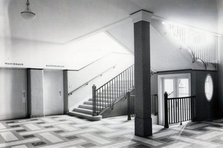 Wien-Donaustadt, 1931, Berufsschule, Gang, Stiegenhaus, Innenaufnahme