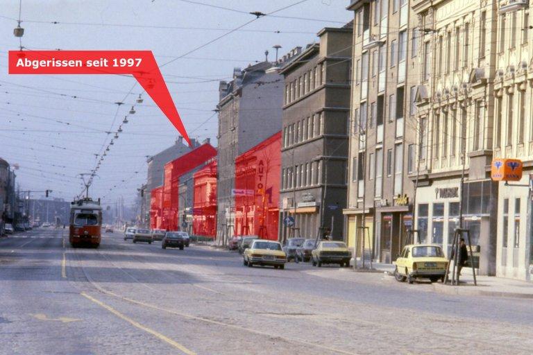 Wagramer Straße im Jahr 1997, eingezeichnet sind inzwischen abgerissene Altbauten, Wien, Donaustadt