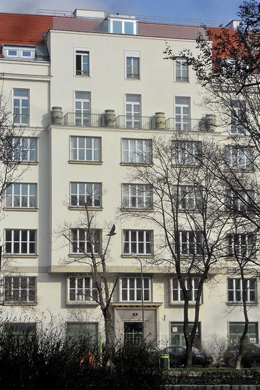 Wohnhaus am Modenapark in 1030 Wien, klassische Moderne, Bäume, Park, Botschaftsviertel