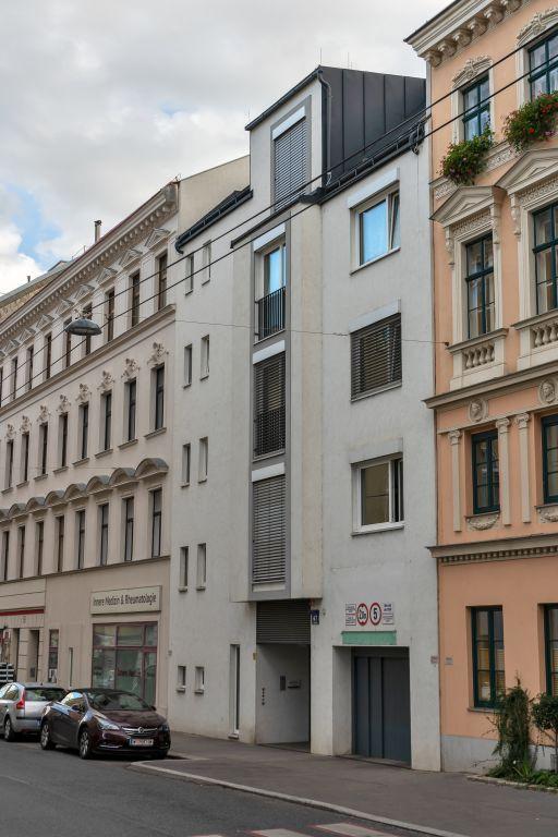 Neubau in der Gentzgasse zwischen zwei Gründerzeithäusern, Bausünde, Währing, Wien