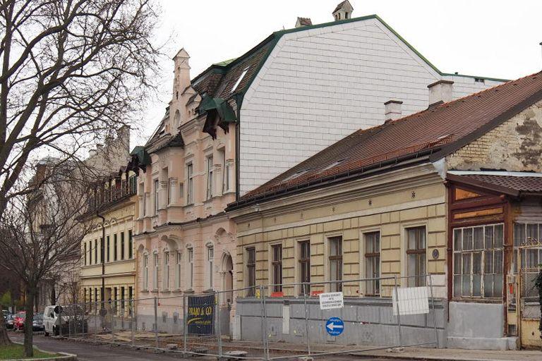 Jahrhundertwendehaus in der Weinzingergasse 5, kurz vor dem Abriss, Döbling, Wien