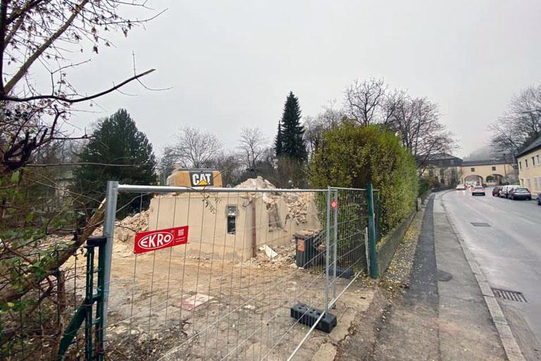 Gründerzeithaus in der Breitenfurter Straße 529 in Kalksburg abgerissen, Liesing, Wien