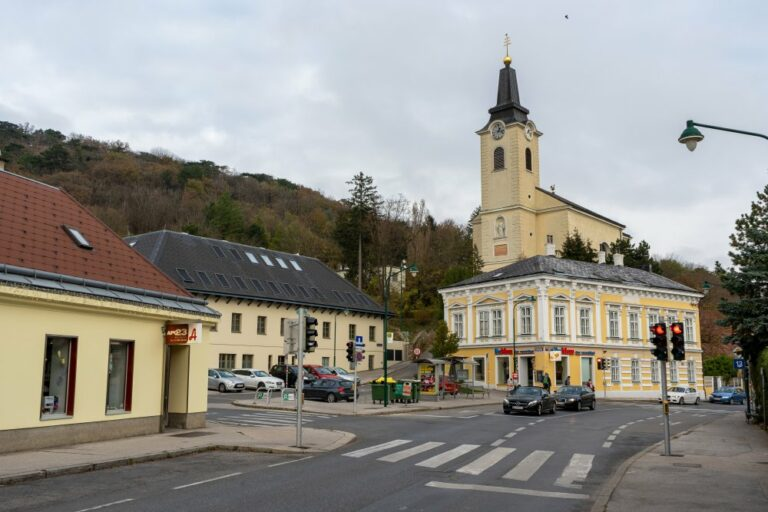 Kirche, Kalksburg, Liesing, Wien, Bogen, Autos, Straße