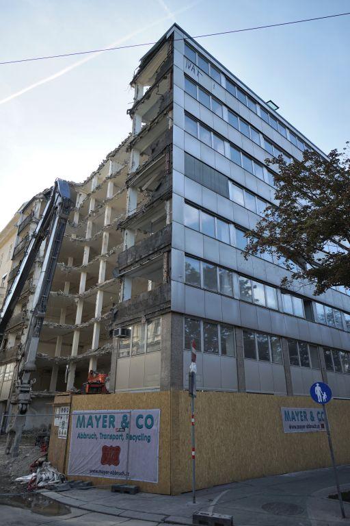 Bürohaus am Franz-Josefs-Kai 51, wird abgerissen, Wien, Innere Stadt, Donaukanal