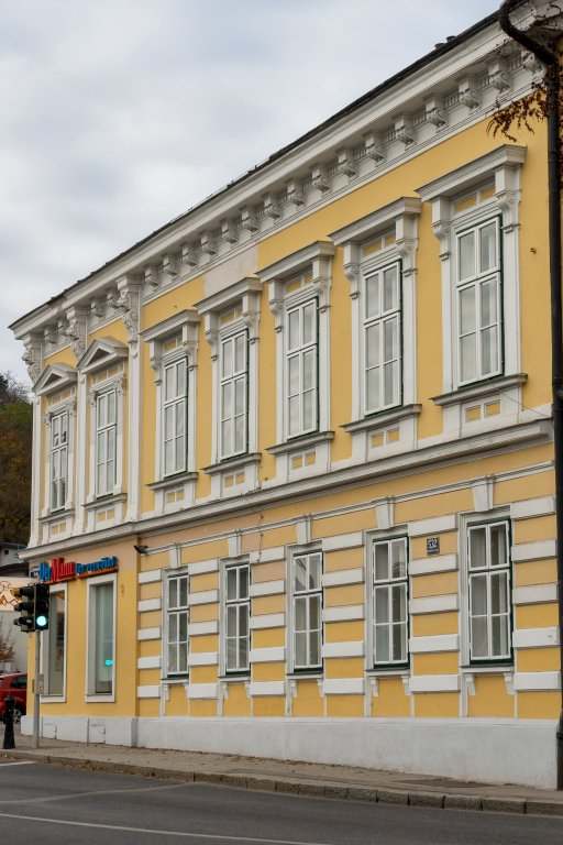 Gründerzeithaus in Kalksburg, Fassadendekor, Liesing, Wien