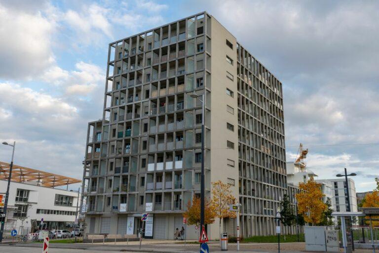 Wohnhaus in der Maria-Lassnig-Straße, Sonnwendviertel, am Helmut-Zilk-Park, Favoriten, Wien, Alfred-Adler-Straße