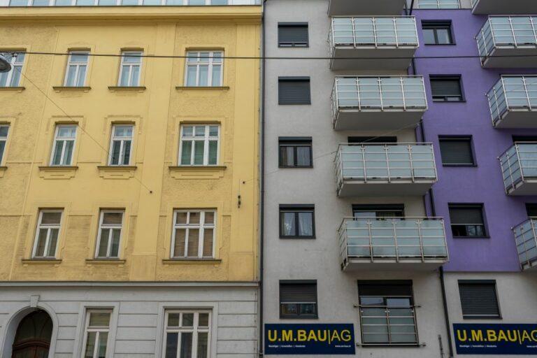Jahrhundertwendehaus und Neubau, U.M.Bau AG, Bausünde, alt und neu, Meidling, Wien