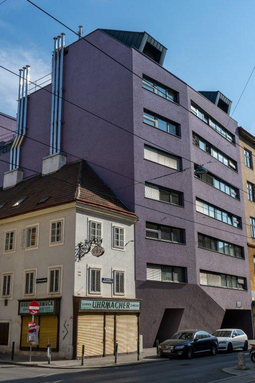 Altbau und Neubau in der Unteren Augartenstraße in Wien-Leopoldstadt