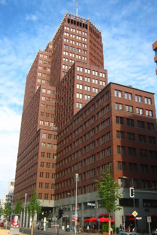 Hochhaus am Potsdamer Platz in Berlin, Postmoderne, Architekt Kollhoff