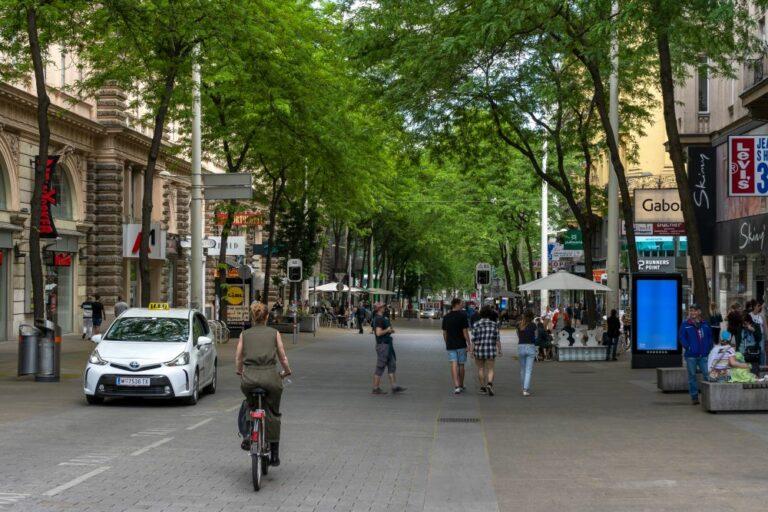 Begegnungszone zwischen Stiftgasse und Capistrangasse, Mariahilfer Straße, verkehrsberuhigt