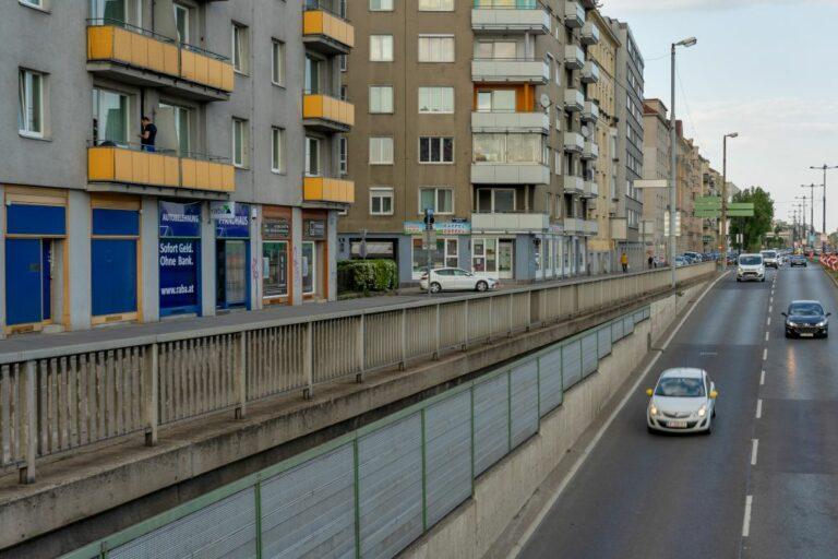 Margaretengürtel, Straße, Wien, Autos, Häuser, Balkone