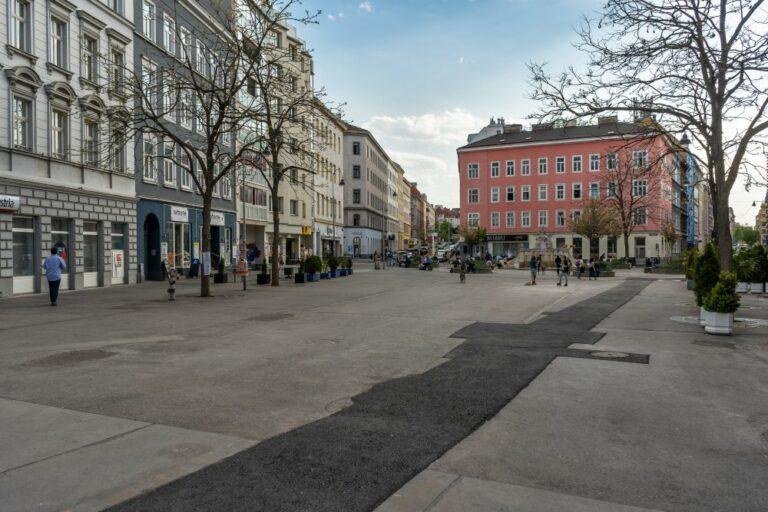 Siebenbrunnenplatz in Wien-Margareten, Asphalt, Reinprechtsdorfer Straße