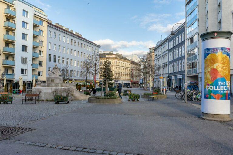 Siebenbrunnenplatz in Wien-Margareten, Brunnen Litfaßsäule, Asphalt