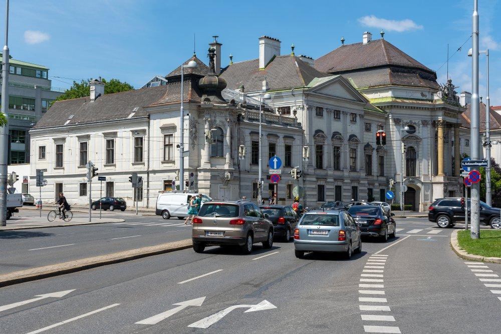 Palais Auersperg in Wien, Josefstädter Straße, Zweierlinie