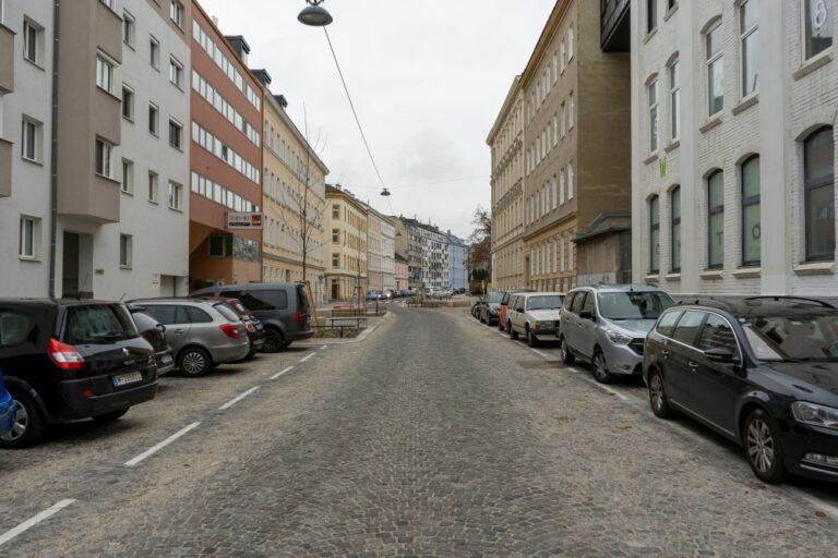 Wohnstraße im 14. Bezirk, Wien, Matznerviertel