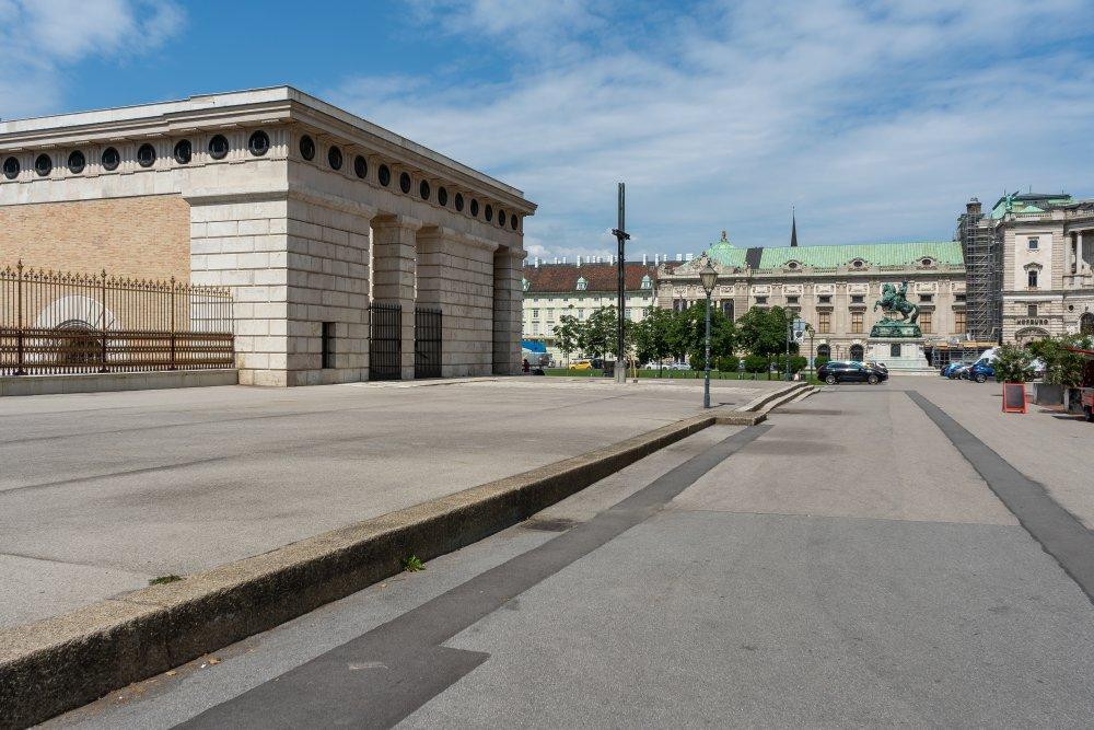 Heldenplatz in Wien, Burgtor Neue Hofburg, Asphalt, Wien, Innere Stadt