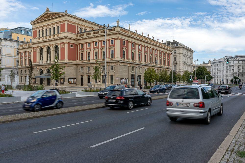 Musikvereinsgebäude, Straße, Autos, Karlsplatz, Wien