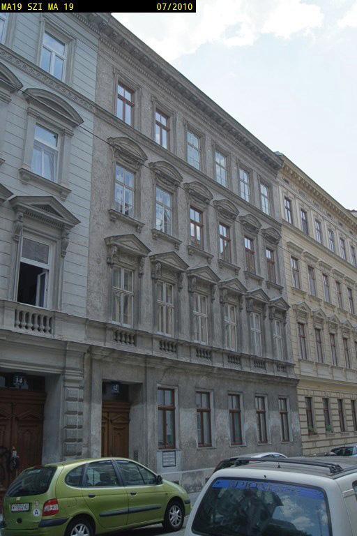 Gründerzeithaus in Wien, einige Jahre vor dem Abriss