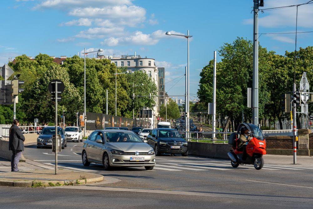 Margaretengürtel, Autoverkehr, Linke, Wienzeile, Autos, Bäume, Wien