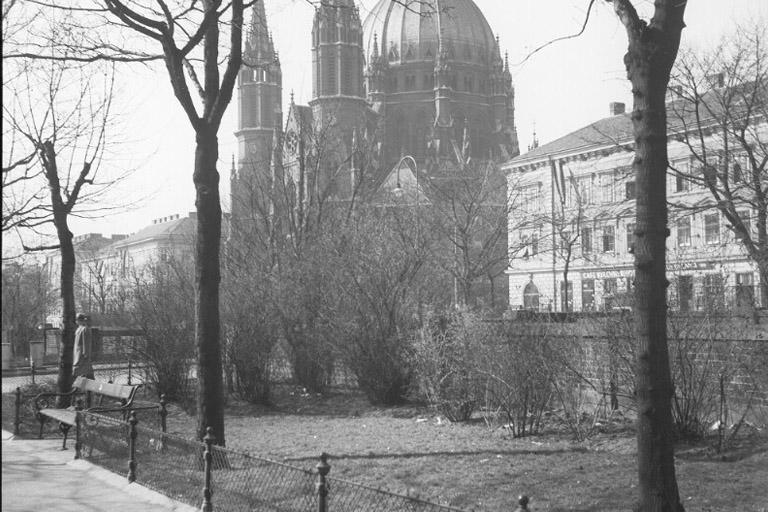 1938: Mariahilfer Gürtel an der Grenze vom 6. und 15. Bezirk (ÖNB)