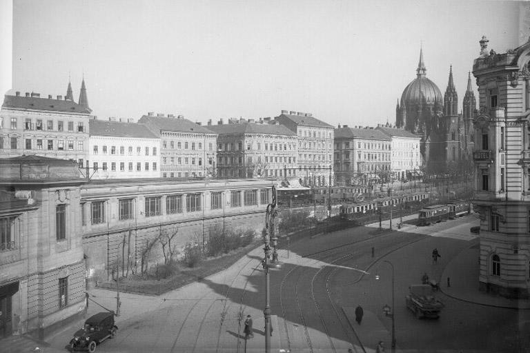 1932: Mariahilfer Gürtel, im Vordergrund der 6. Bezirk (ÖNB)