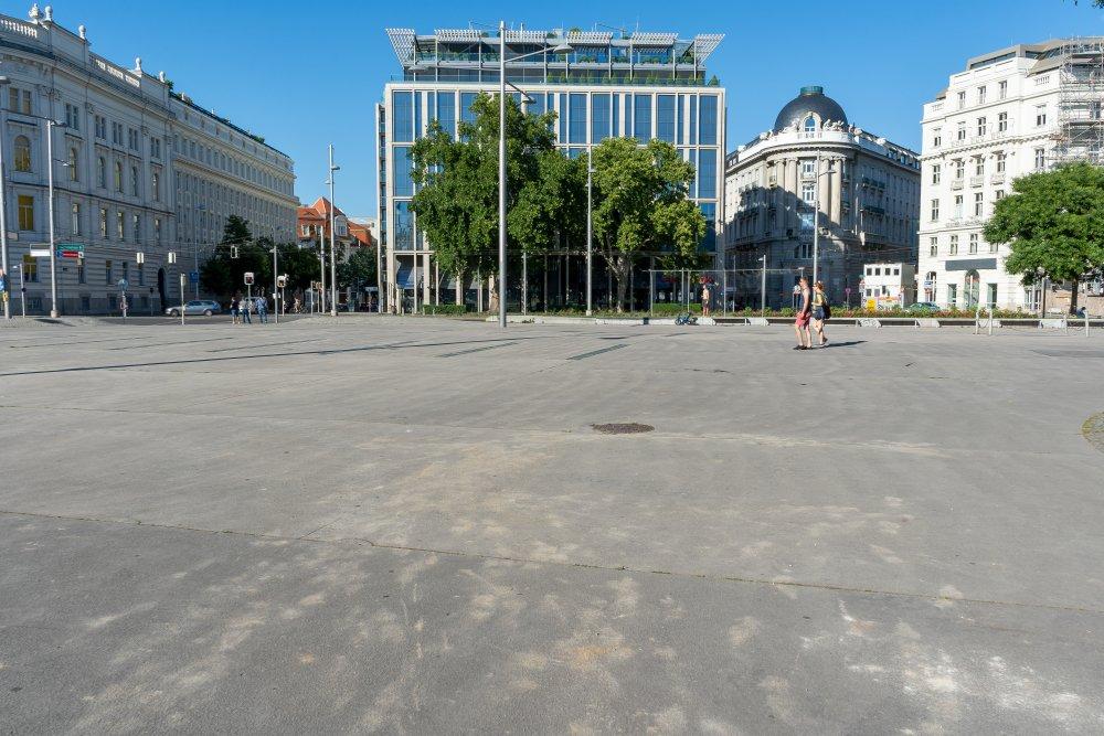 Schwarzenbergplatz: graue Asphaltfläche und Hitzepol (3. Bezirk, Foto: 2020)