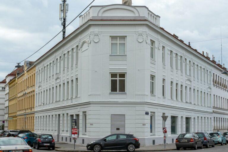 Gründerzeithaus mit Jugendstildekor in Wien Floridsdorf