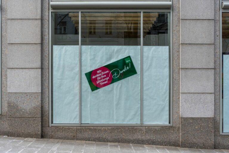 Auslage in der Mariahilfer Straße, Leiner, vor Abriss
