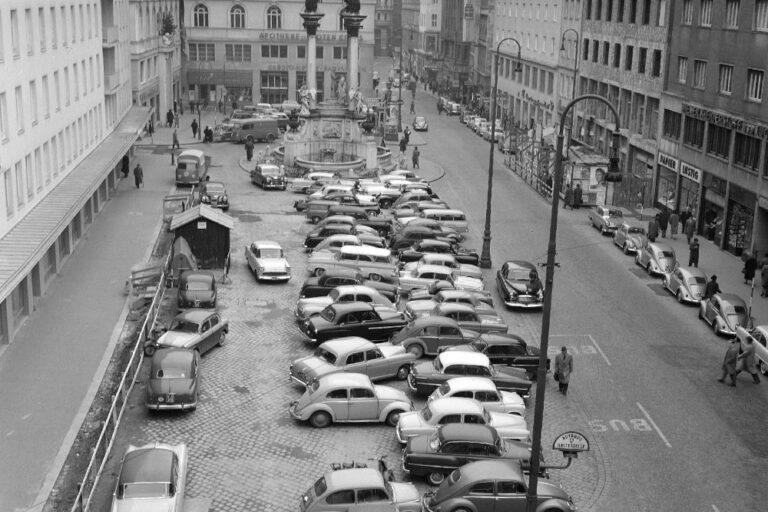 Autos am Hohen Markt, 1950er, Wien