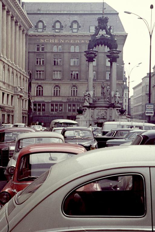 Hoher Markt in den 1960ern, parkende Autos