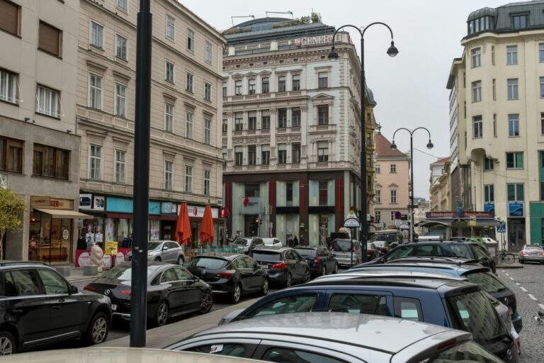 Hoher Markt, Autos, historische Gebäude, Wien
