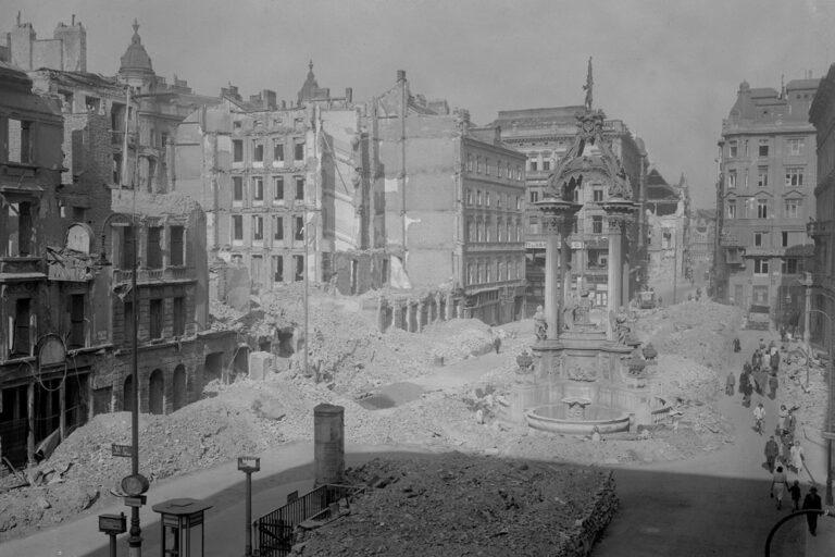 Hoher Markt mit den Zerstörungen des 2. Weltkriegs