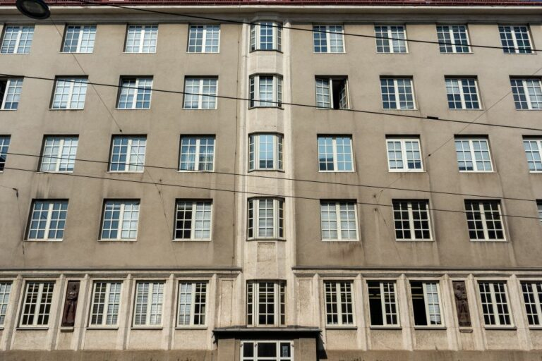 Fassade, Berufsschule, Märzstraße, Wien