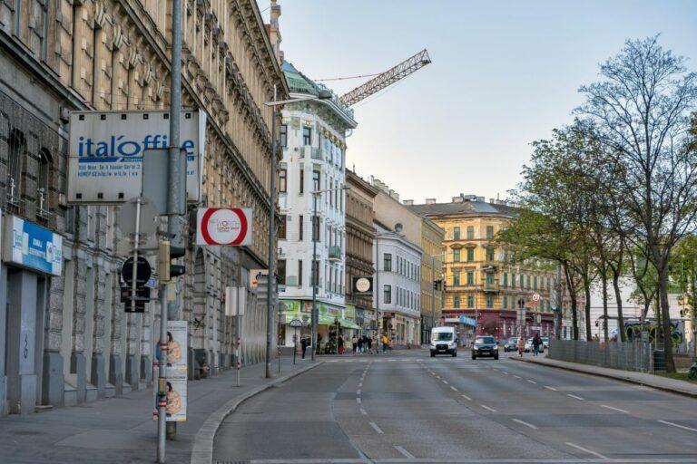 Straße, Gründerzeithäuser, Wien