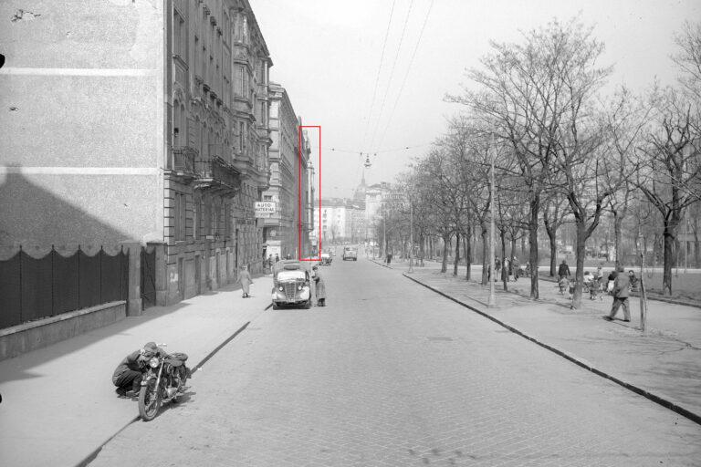 Gaudenzdorfer Gürtel, 1950er-Jahrem Autos, Motorrad, Passanten, Gebäude, Wien, Bäume