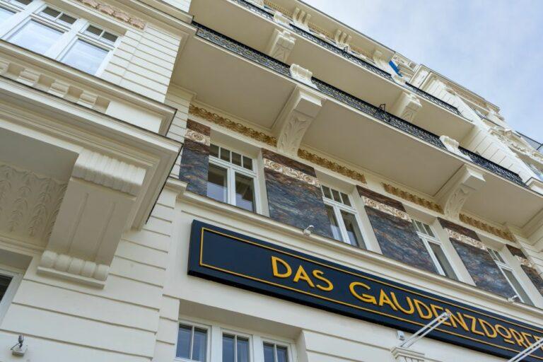 Fassade, Meidling, renoviert, Gürtel