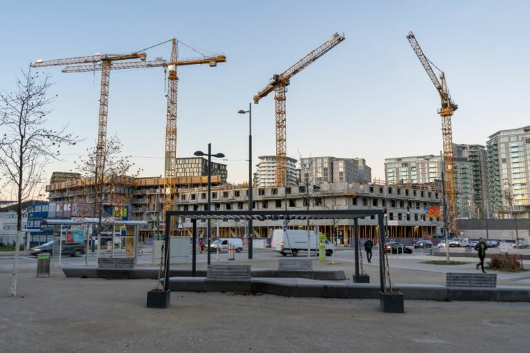 Baustelle, Wien, Hauptbahnhof, Kräne, Hochhäuser, Hotel, Karl-Popper-Straße, Alfred-Adler-Straße