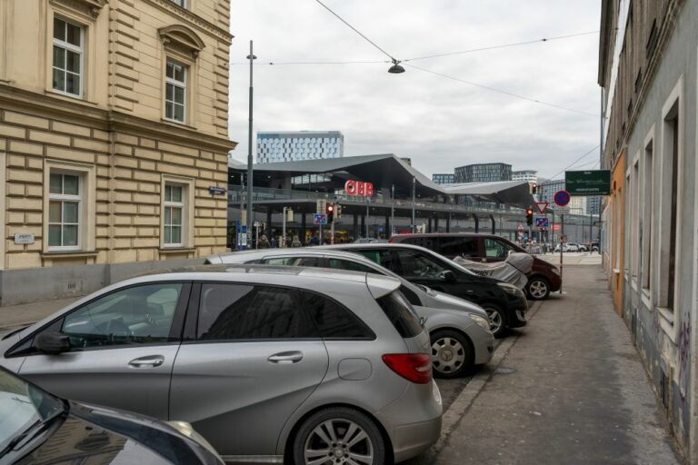 Autos, Wien Hauptbahnhof, Johannitergasse, Sonnwendgasse